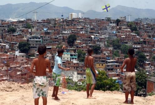inexarchia-favela-catcommorgv_0